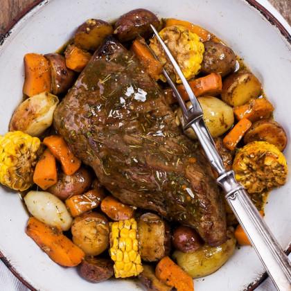 Carne al horno con romero y tomillo