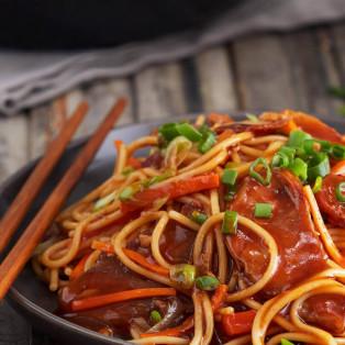 Spaghetti con cerdo agridulce