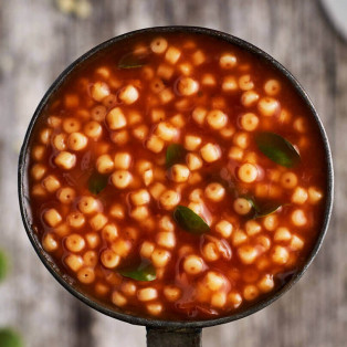 Sopa de tomate y Ave María
